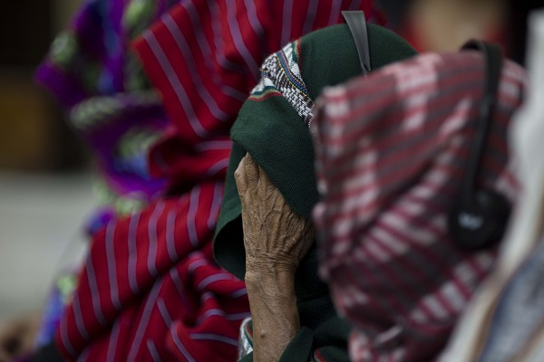 """Guatemala ante un fallo ejemplar: la resistencia de las mujeres q'eqchi', """"las abuelas de Zepur Sarco"""" (por Mariela Pinza)"""