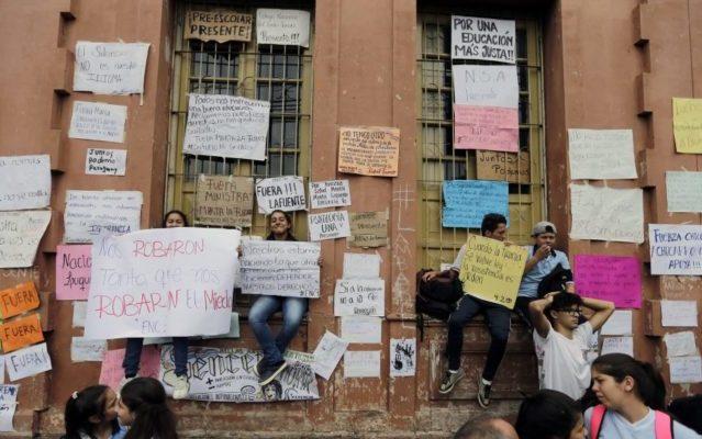 Rebelión en el aula: crisis educativa y resistencia estudiantil en Paraguay