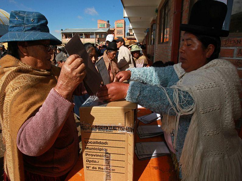 Bolivia: El MAS y el desafío de las construcciones locales