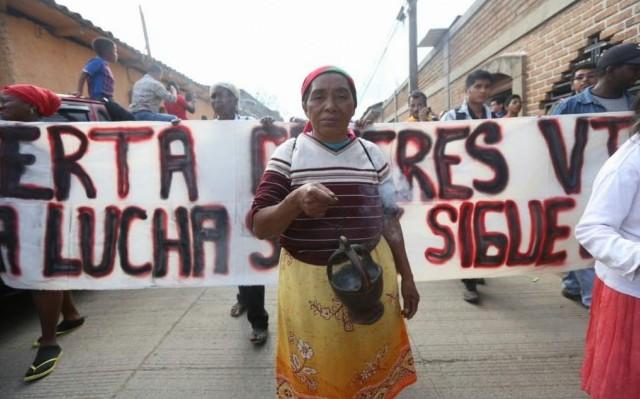 """Honduras: """"Entre los movimientos sociales y los poderes fácticos"""""""