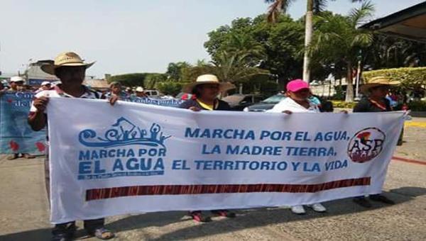 Marcha por la vida en las calles de Guatemala: el derecho al agua vs. mercado