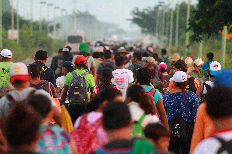 caravana migrante en la frontera con EE. UU.