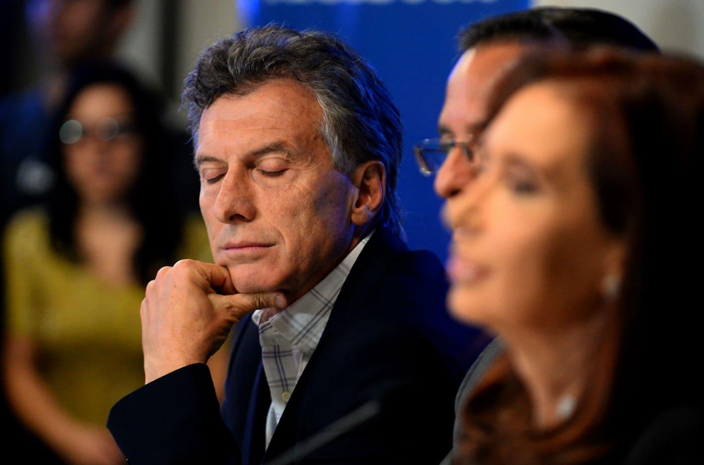 Centros y polos en el mapa político argentino y competitividad de CFK