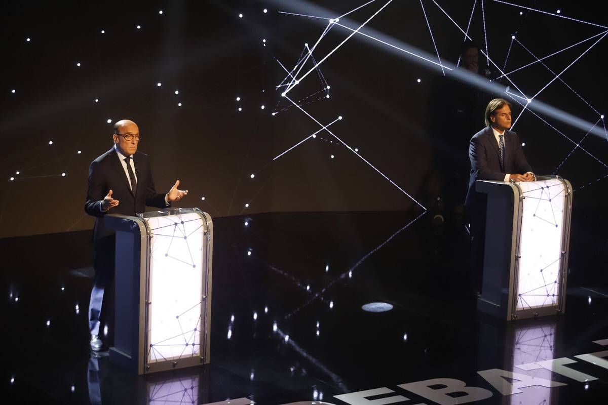 Primer round de un Uruguay polarizado